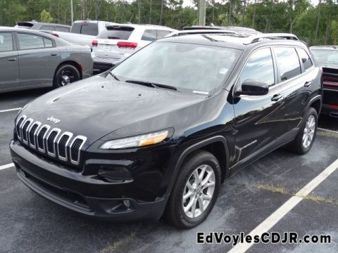 Certified Pre-Owned 2018 Jeep Cherokee Latitude